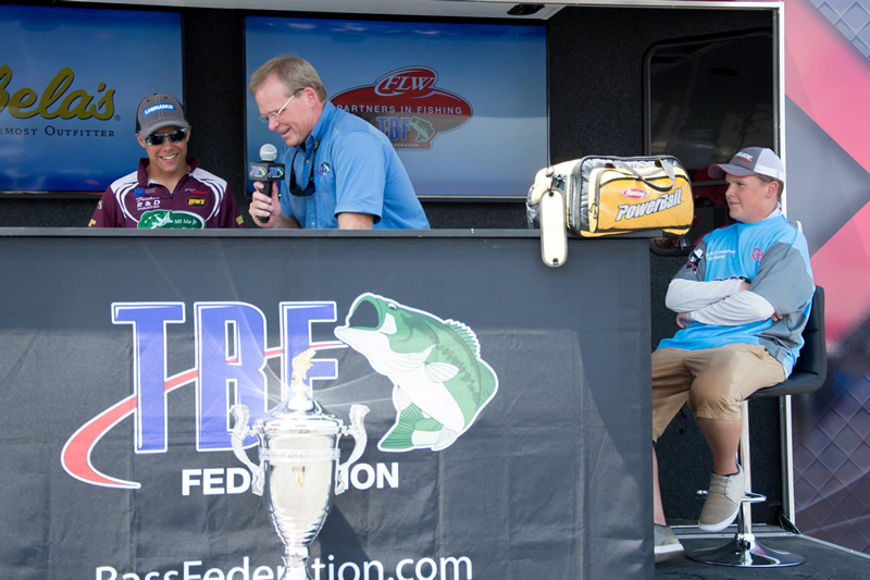 Scott on the HOT SEAT being bumped by Fisher Davis of Mt Ida Arkansas. Five bass for 12lbs. 15 ounces.